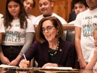 03-18-2020–Oregon Governor Signs ExecutiveOrder