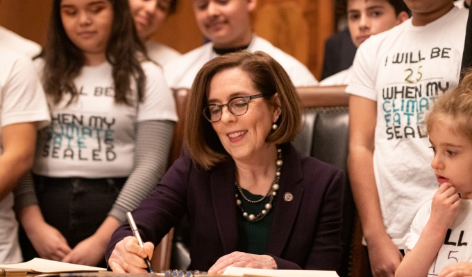 03-18-2020–Oregon Governor Signs Executive Order